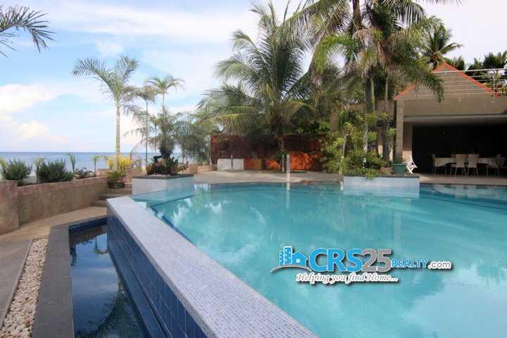 4 Bedroom Beach House in Carmen Cebu (1)