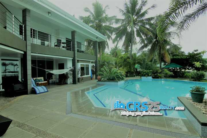 Beach Hosue and Lot in Carmen Cebu For Sale