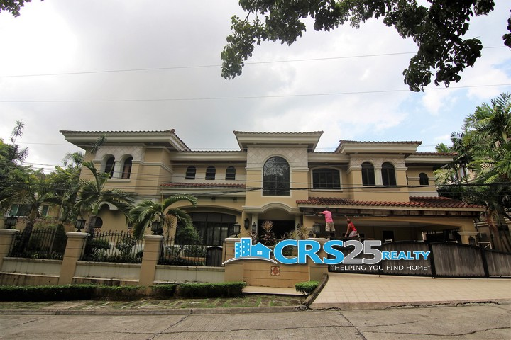House with Swimming Pool in Talamban Cebu 3