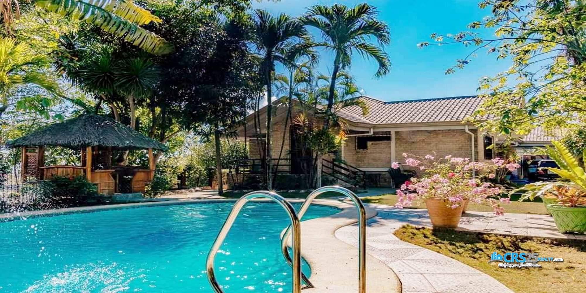 6 Bedroom House in Talamban Cebu with Swimming Pool