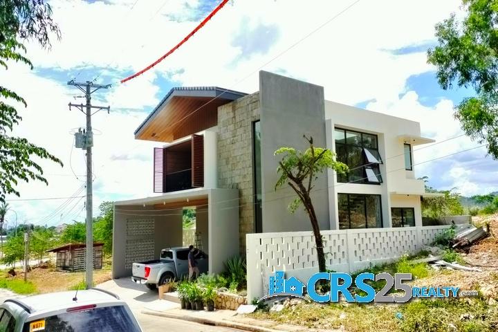 Brand New House in Vera Estate Mandaue Cebu 3.5