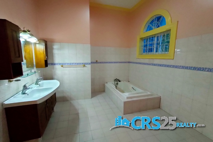 Bungalow House with Pool in Liloan Cebu 26