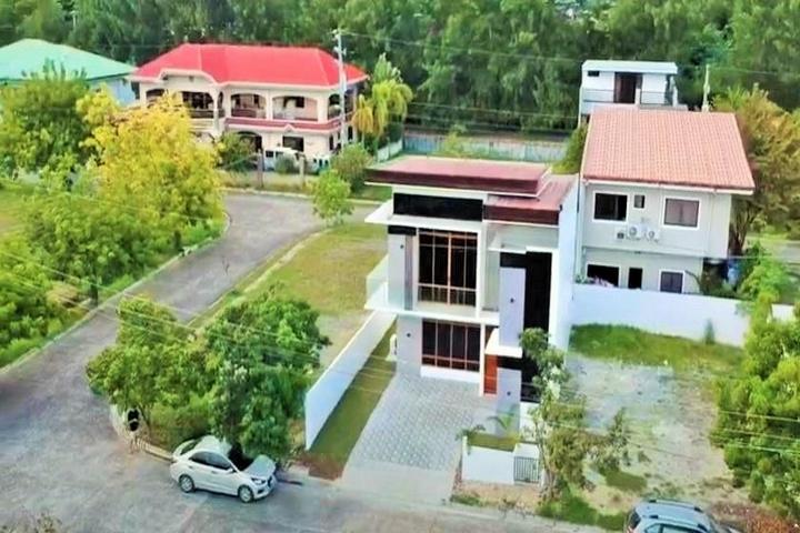 Molave House Consolacion Cebu 11
