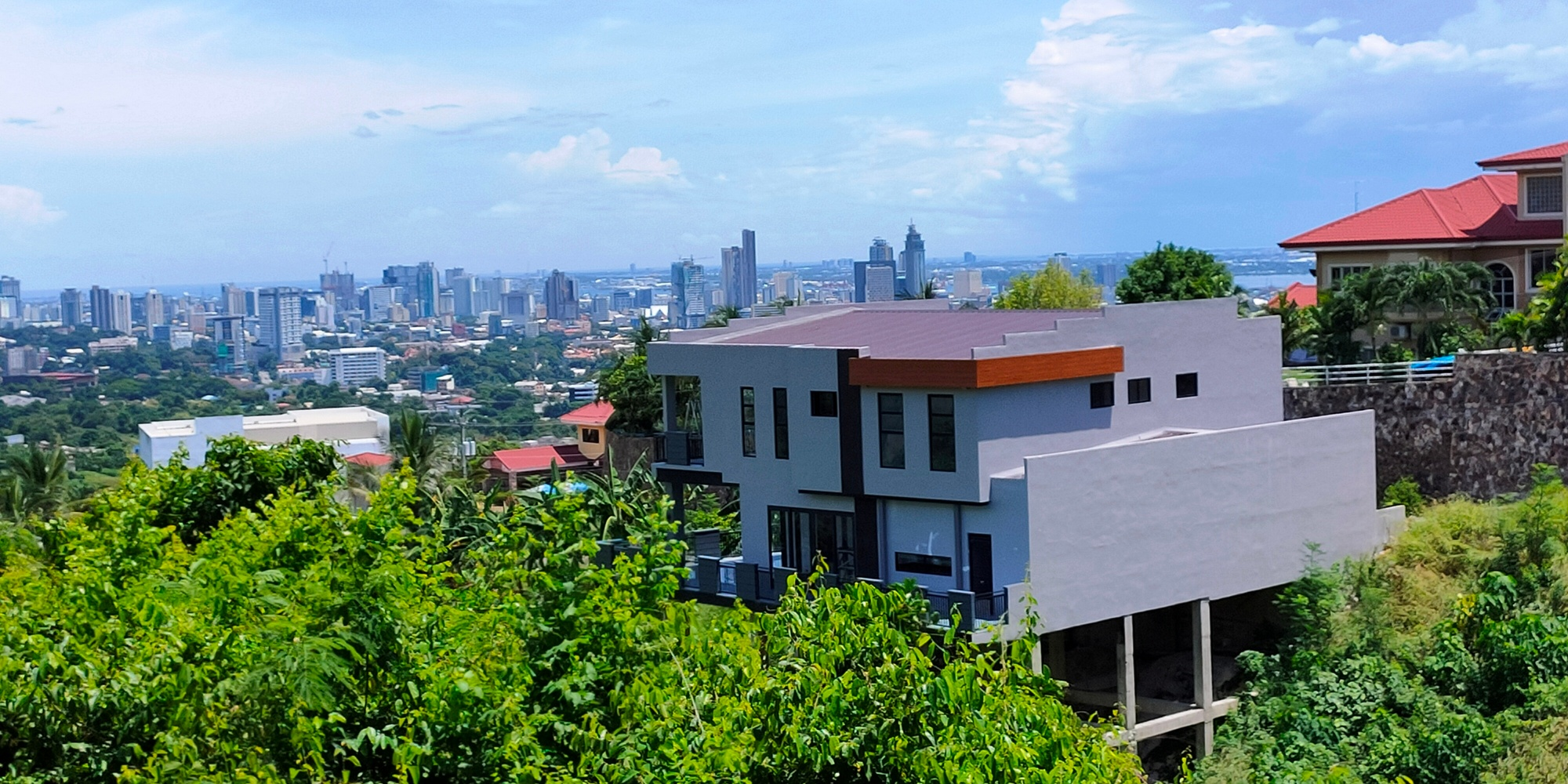 Overlooking House and Lot in Cebu City