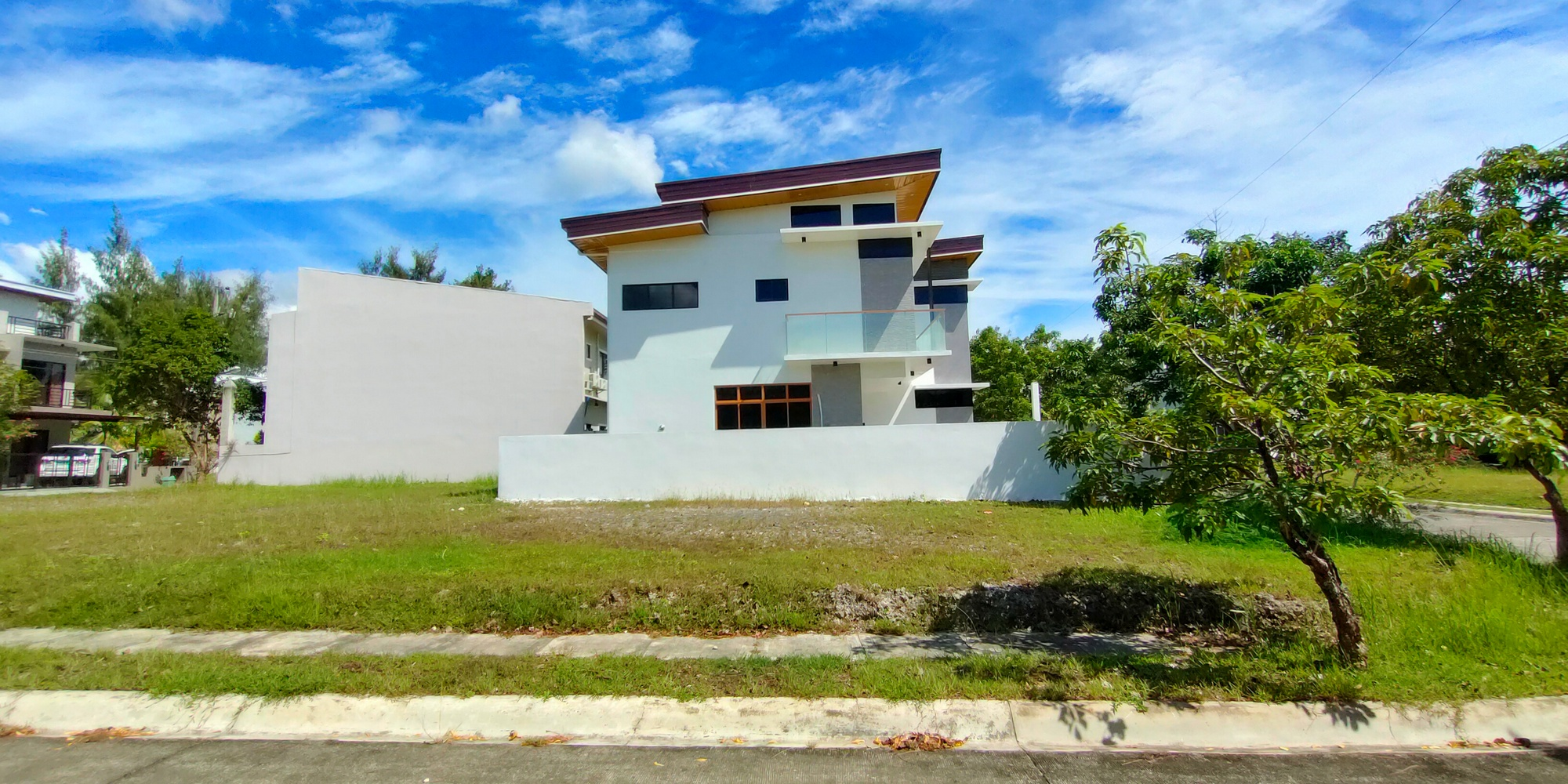 House and Lot for Sale in Molave Highlands Consolacion Cebu